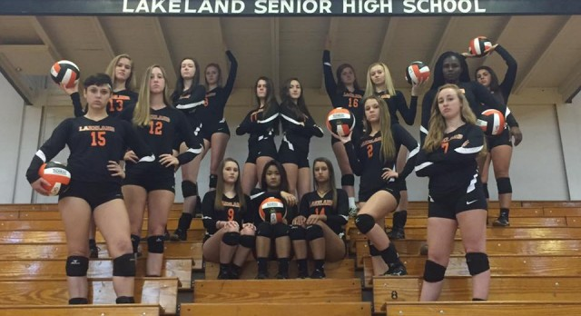 Lady Naughts Win in 3 Straight Sets