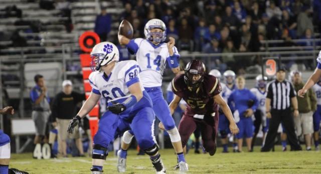Whitesboro High School Varsity Football beat Van Alstyne High School 30-21