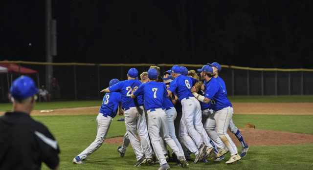 Jays Grit Carries Them to State in 4-2 Win