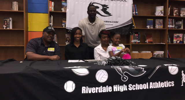 Jackson Signs Track & Field Scholarship to Columbus State University