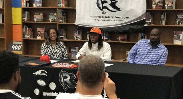 Moore Signs Football Scholarship to Baker University