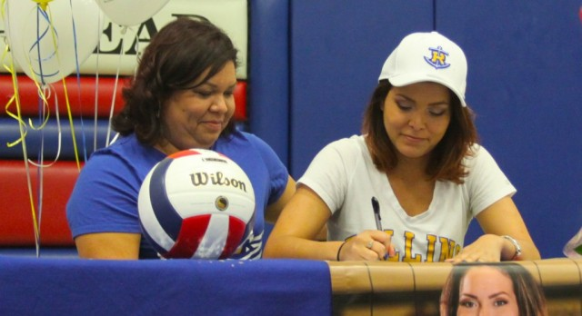 A. Rodriguez Signs with Rollins College