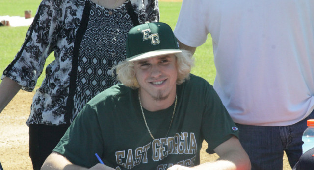 Johnny Oliveira Signs With East Georgia State College
