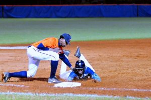 Mundy's Mill Baseball Remains Unbeaten in Region Play