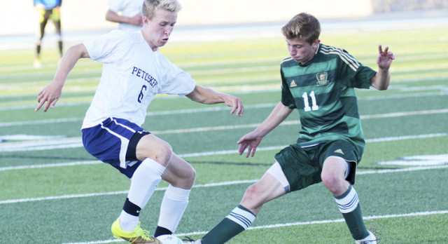 Petoskey, T.C. West go down to the wire in 1-0 Titan win