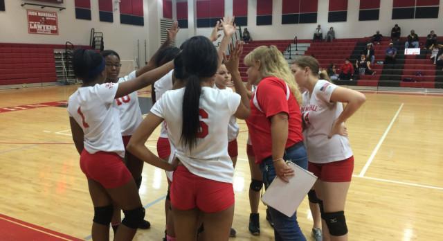 Varsity Volleyball Beats MLK 3-1