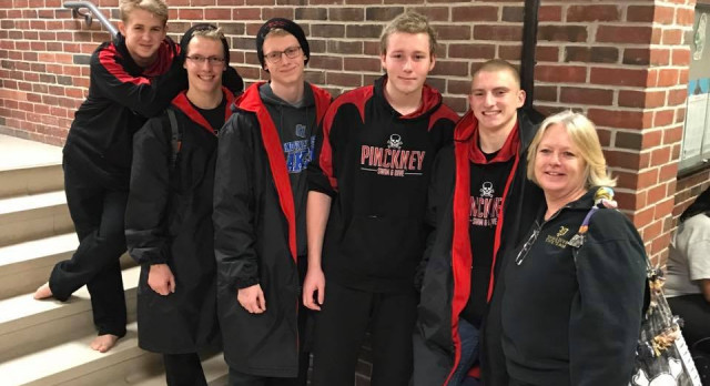 Pirates Swimmers Qualify for States