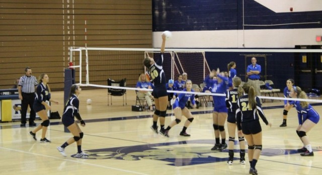 Volleyball falls to Trinity 3-1