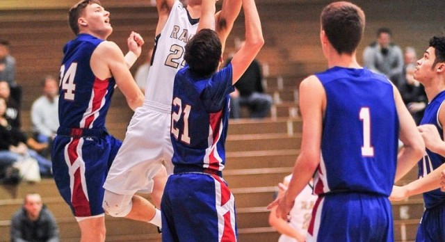 Boys Basketball falls to Laurel Highlands 67-56