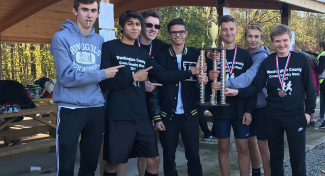 Boys Varsity Cross Country finishes 1st place in Washington County Meet