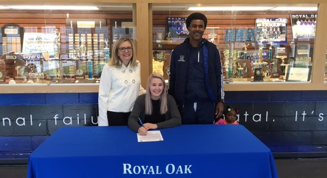 ROHS Senior Maggie Kollenberg signs with Macomb CC Volleyball!