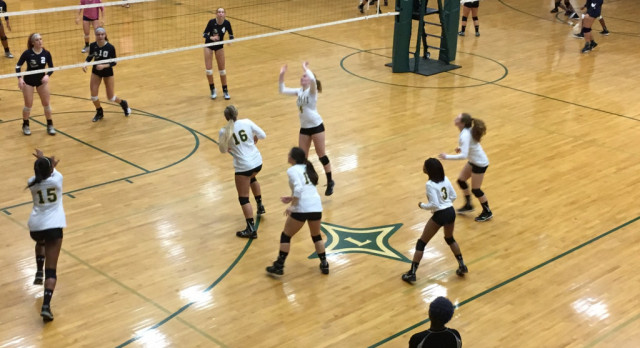 Laurens District 55 High School Girls Varsity Volleyball beat Greenwood High School 3-2