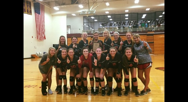 Volleyball Team Loses Tough 5 Set Match in First Round of Playoffs