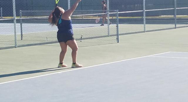 Girls Tennis defeats Vista Del Lago 10-8