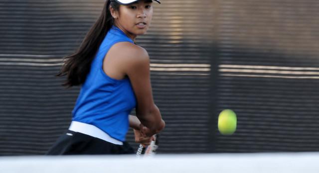 Girls Tennis Beats San Diego