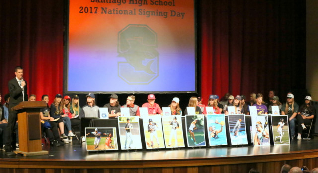 29 Student-Athletes Sign National Letter of Intent