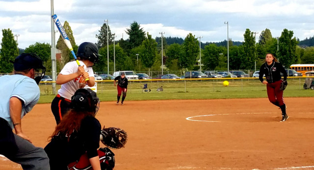 Foxes Torch Sandy in 1st Round of OSAA Softball Playoffs