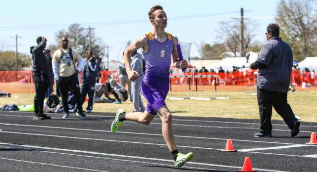 Photos Available from Diamond Hornet Invitational