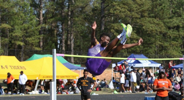 Tigers Shine at Lexington Invitational