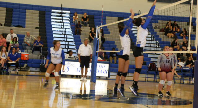 Mountain House High School Girls Varsity Volleyball falls to Escalon High School 3-0