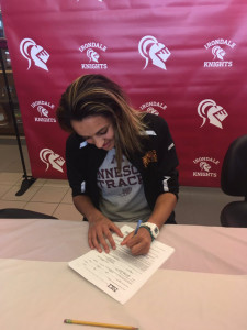 julia signing day 2