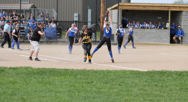 Softball: Milan edges RS, 5-3