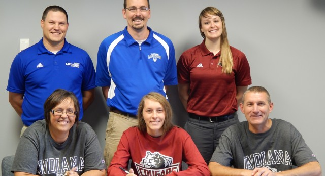 Lela Crawford Signs w IUK Women's Basketball