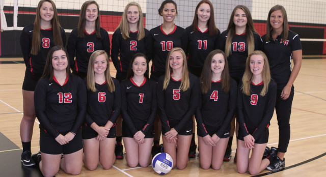 Freshman Volleyball Sweeps Olivet & Charlotte in Tri