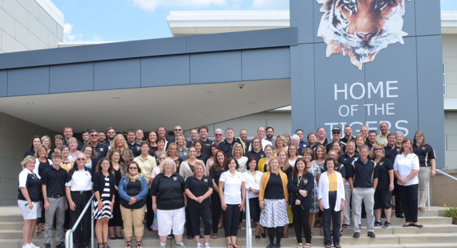 THANKS TO ALL THE LHS TEACHERS FOR A GREAT OPENING DAY: TIGER PRIDE!