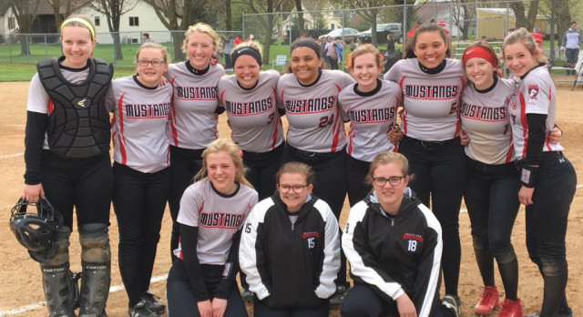 Softball takes two on Saturday