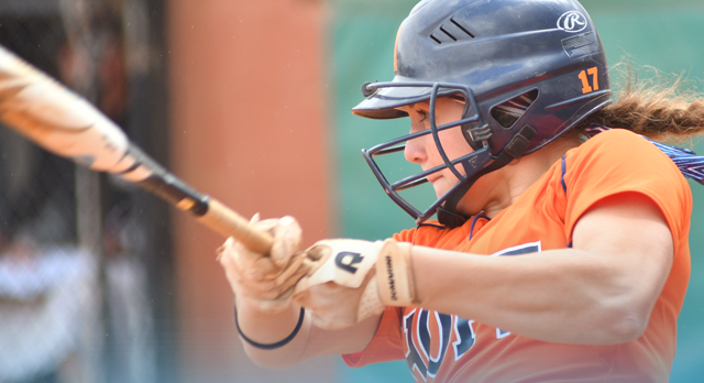 Hayley Reitsma (Class of 2014) Catching for the Flying Dutch of Hope College