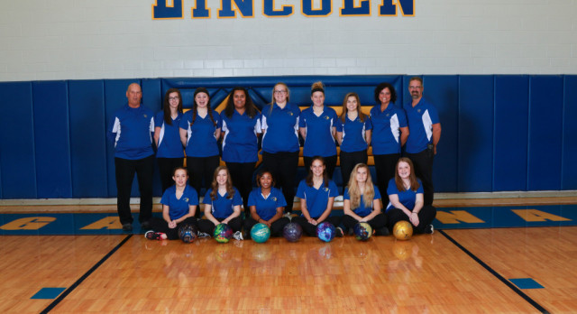 Girls Varsity Bowling Squad Finishes Regular Season Undefeated