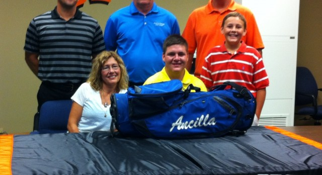 Leland Signs with Ancilla
