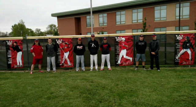 Baseball: Juniors help prep for Senior Night