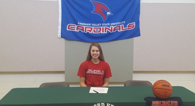 Lillia Schoof Signs Letter of Intent for Basketball at SVSU