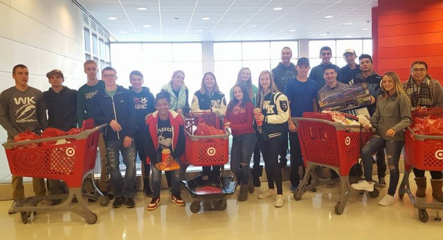 Student-Athletes Adopt a Family For Christmas