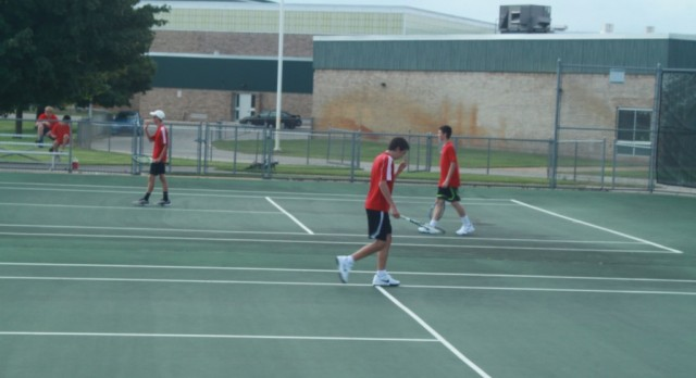 Lowell High School Boys Junior Varsity Tennis falls to Jenison High School 4-1