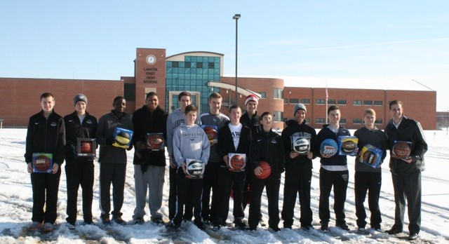 Freshmen Boys Basketball Gives Back to the Community