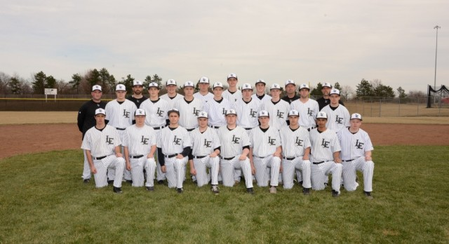 Baseball Beats Fairfield on Senior Night