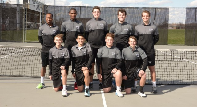 Boys Tennis Wins 1st Round in State Team Tourney
