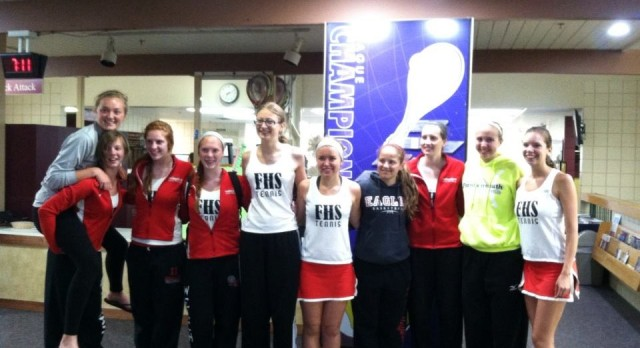 Girls Tennis Qualifies for States!