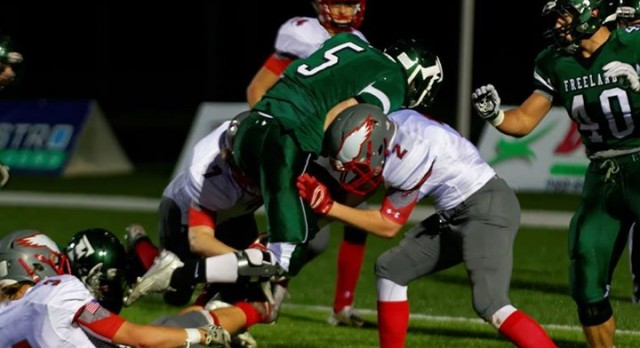 Frankenmuth High School Varsity Football falls to Freeland High School 13-35