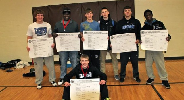 Record Seven Lightning Wrestlers to State