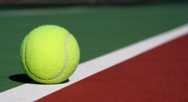 Girls Varsity Tennis beat Arsenal Tech High School 5-0