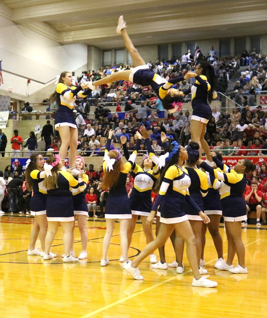 Varsity Sideline Cheer - Riley Wildcats - Riley High ...