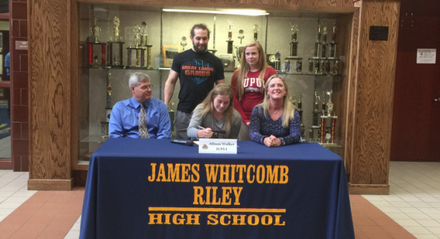 Walker Signs with IUPUI