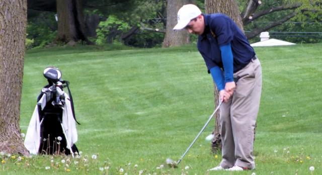 Boys Golf Defeats Elkhart Memorial