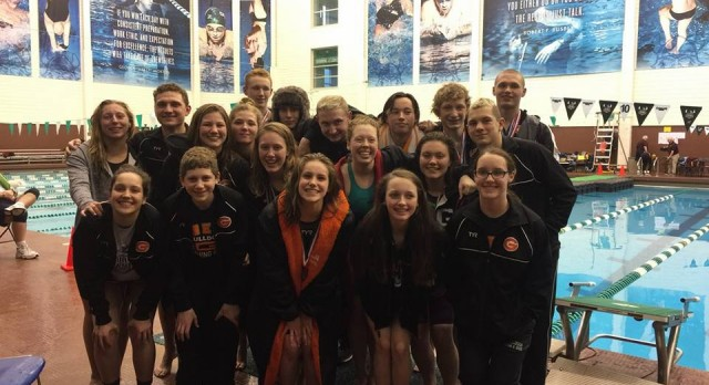 Green Swimmers and Divers Perform well at Districts – 5 Qualify for States