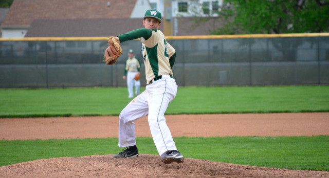 Rocks Sweep Double Header to Take First Two Games of HCC Series Against Avon