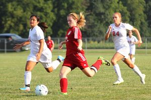 Lady Hornets coast to 6-1 win over Twin Lakes